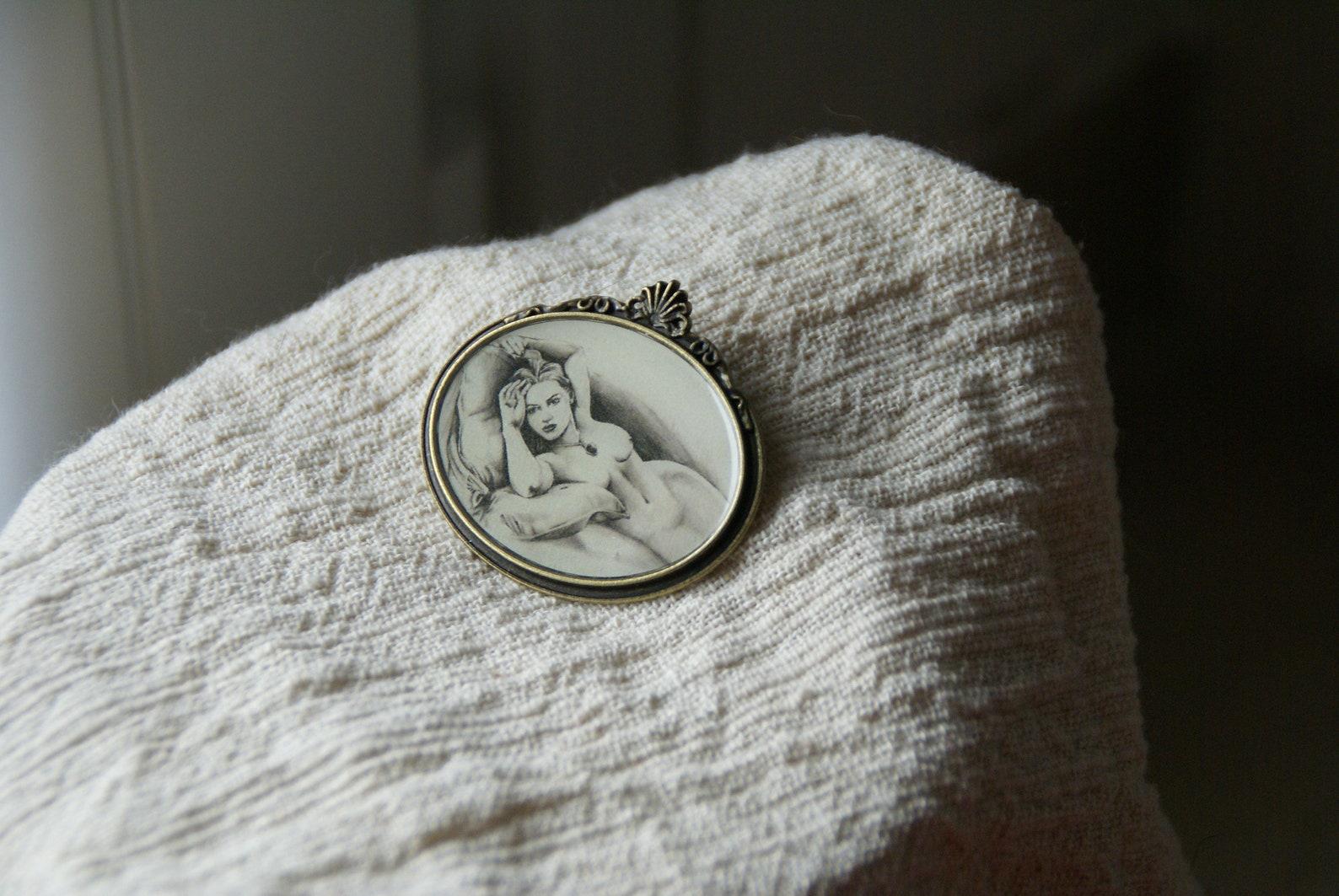 Kate Winslet: Nude Titanic painting still haunts me