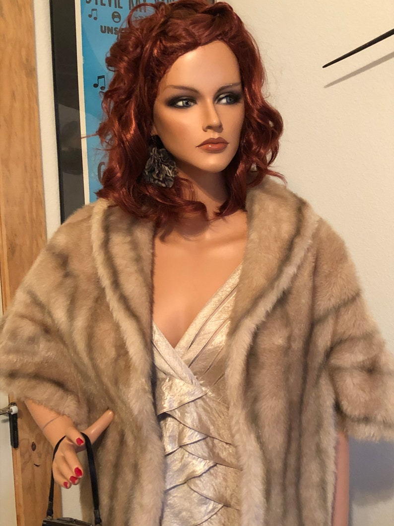 Vintage Regina Glenara by Glenoit Vintage Faux Fur Cape Fits Size 10 to 12 Ladies with Beautiful Tangerine Silk Lining #vintagefurs