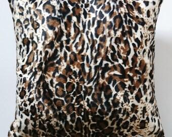 Leopard throw pillow, leopard velvet pillow cover, leopard cushion, handmade pillow case, made in France