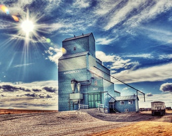 Grain Elevator in rural alberta, Praire, Relic, Old, Country, Farm - Arrowood Elevator