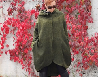 Coat for women, Hooded coat, Green coat, Winter coat, Wool coat, Hooded jacket, Hooded cardigan, Extravagant coat by CARAMELfs T6015