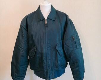 SALE Vintage 1980s green bomber jacket // army jacket