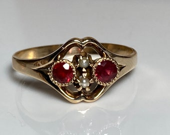 Victorian Garnet and Seed Pearl Ring in 14K Gold circa 1860