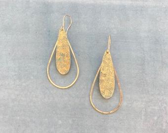 Long gold dangle earrings, 14k gold filled, teardrop, geometric, modern, hammered, textured, unique,