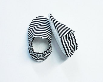 Handmade Soft Sole Baby Moccs / Moccasins / Booties / Crib Shoes / Slippers Black and White Stripes