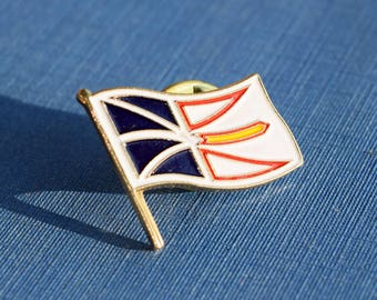 Newfoundland Flag Lapel Pin - Vintage - Canadian Province - Oh Canada!
