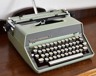 Remington Rand 11 Manual Typewriter - REMINGTON RAND TYPEWRITERS - Made in the United States - 100% Functional