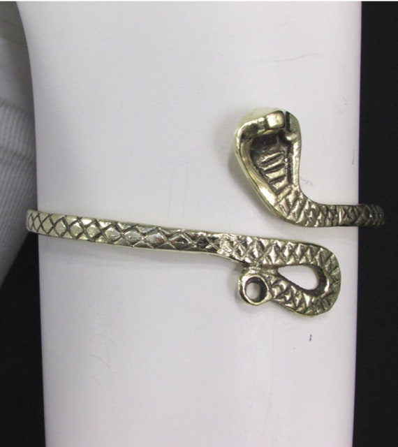 Signed Mexican Silver Festival Wear Serpent Bracelet Boho Vintage Sterling Snake Bangle with Onyx Head