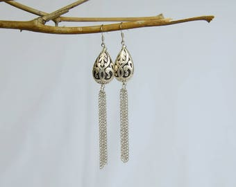 Tear Drop Bead With Chains