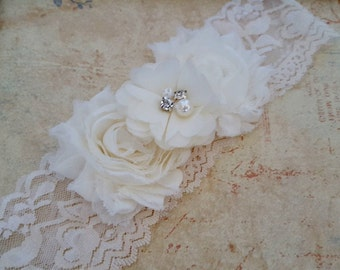 Ivory Bridal Garter,Stretch Lace Garter, Keepsake Garter, Wedding Garter, Bridal Garter, Shabby Flower Garter