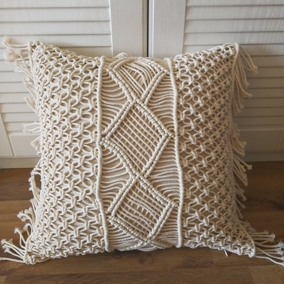 Macramé pillow cover