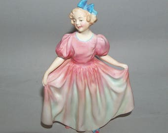 """8117: Vintage Royal Doulton Sweeting HN 1935 Figurine 6.25"""" Tall Excellent Condition Bone China at Vintageway Furniture"""