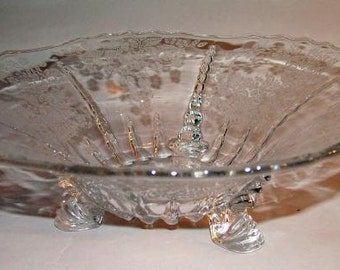 "p7122: Vintage Large 11"" New Martinsville Radiance Meadow Wreath Bowl Console Depression Glass at Vintageway Furniture"