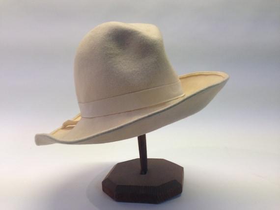French felt hat | Vintage | 1970s | Fedora hat | … - image 2