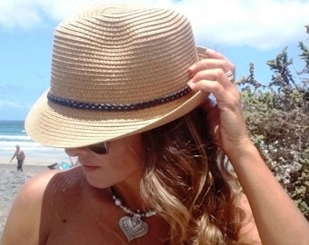 e7b22640d33b3 straw beach hat