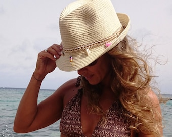 Straw beach hat  fcc17edfd29