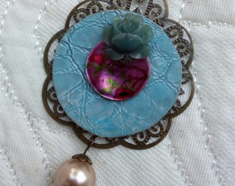 Romantic necklace, filigree Locket.