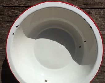 Vintage White Enamelware Metal Red Rim Bowl Rustic Farmhouse Décor Country Bed and Breakfast