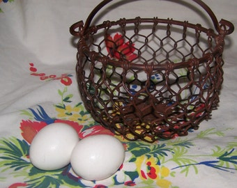 Egg Basket Metal Basket Chicken Wire Basket Brown Burl Finish Farmhouse Décor Country Heavy Basket with Handle