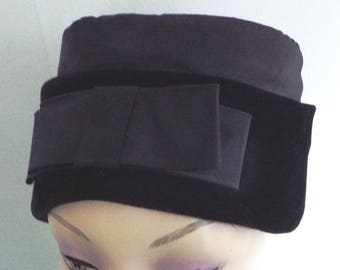fcbe96590ec Vintage Hat Ladies 1950 s Black Velvet and Satin Dress   Mourning Hat with  Large Bow Front