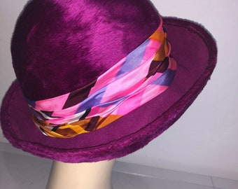 c6e29ceab202c Vintage Ladies Hat Cloche brimmed Hat in Maroon wool fur made in Italy with  satin banding multi colours