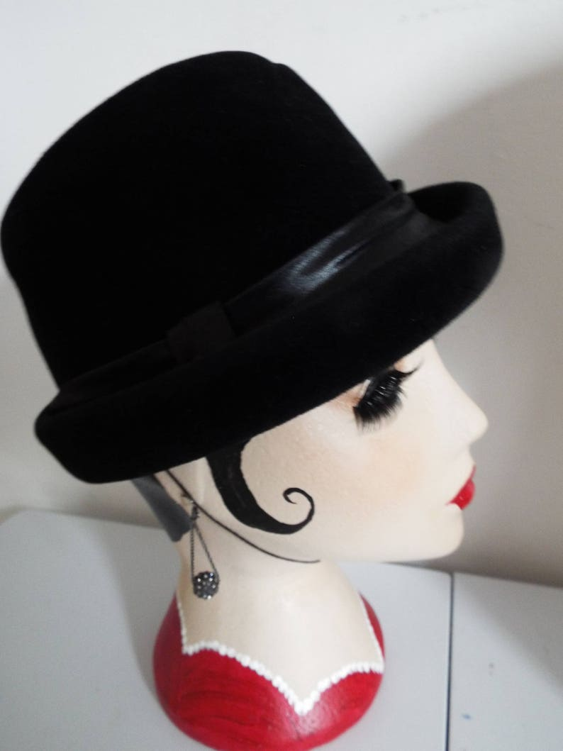 Vintage Hat 1940s Black Velvet riding ste hat with Black  74b7690f44a2