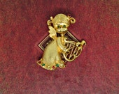 Vintage MYLU angel pin brooch angel with harp Christmas jewelry collectible signed jewelry goldtone mid-century modern MCM