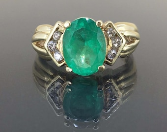Estate 14k Yellow gold Natural Colombian Emerald & Diamond Cluster Vintage ring