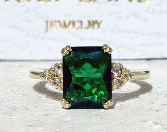 Emerald Ring - May Birthstone - Gold Ring - Gemstone Band - Statement Ring - Engagement Ring - Rectangle Ring - Cocktail Ring - Prong Ring