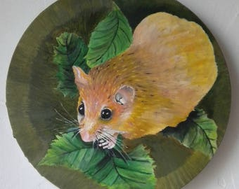 Contemporary oil painting of a cute mouse, green and gold artwork on a round canvas