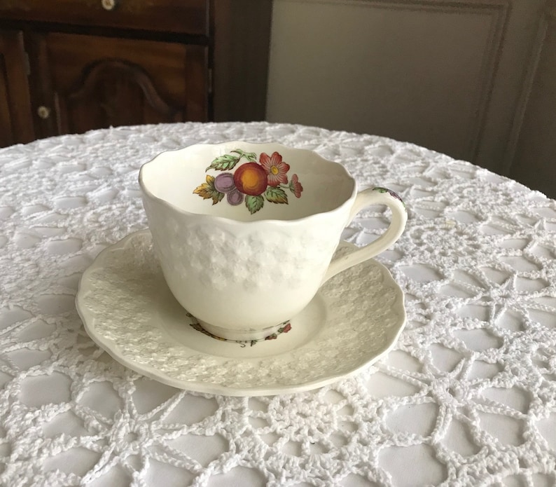 Copeland Spode ALDEN Cup And Saucer Sets 2280 Embossed Daisies