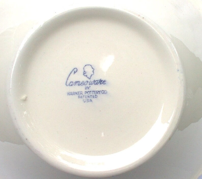 Harker Pottery Vintage Blue Shell Cameo Ware Dainty Flower 9 Serving Bowl Excellent