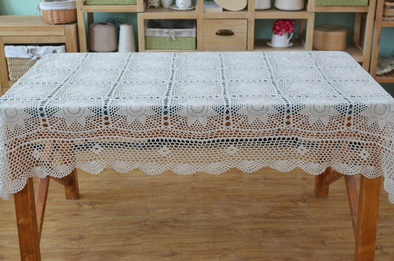 Lace Tablecloths Oval 300x300.jpg image 0 ...