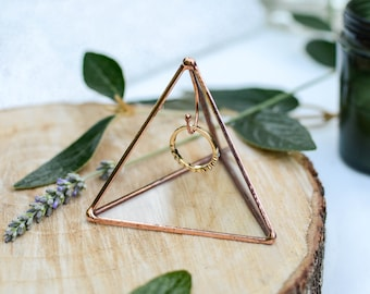 Ring holder pyramid, Stain Glass Wedding Ring Holder, Engagement Gifts, Personalised Gift /WR13/