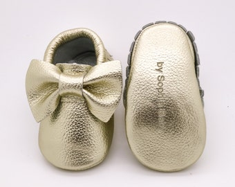 Baby Moccasins, Baby Gold Bow Moccasins, Baby Leather Shoes, Genuine Leather Moccs, Toddler Moccasins, Christmas Baby Moccs, Baby Moccasins