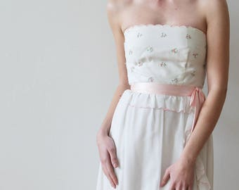 Vintage 1960s Strapless White Bridal or Party Dress