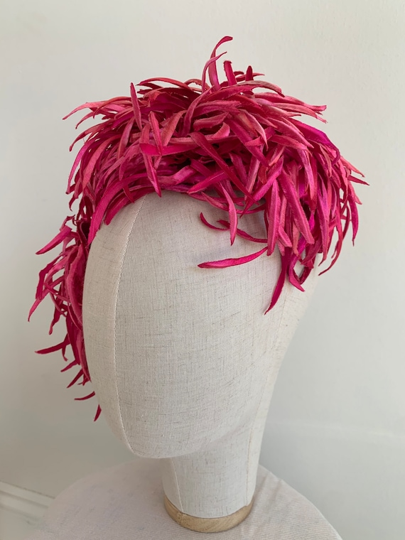 Vintage 1950' Hot Pink tone Textured Fascinator -