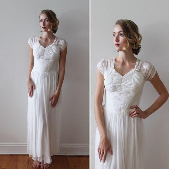 Vintage 1930s Silk Short Sleeved Ballet Length Wed