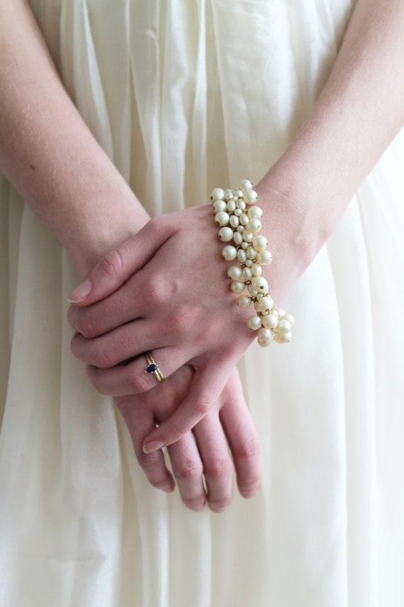 Vintage 1950s Gold Tone and Faux Pearl Bracelet