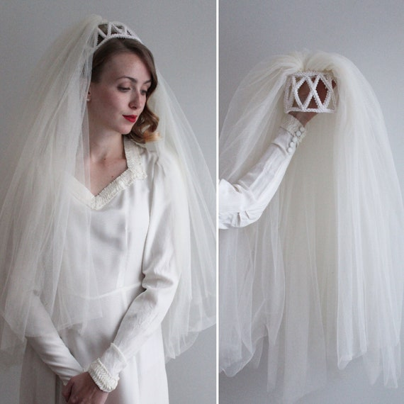 Vintage 1960s Full Ivory Veil with Juliet Cap