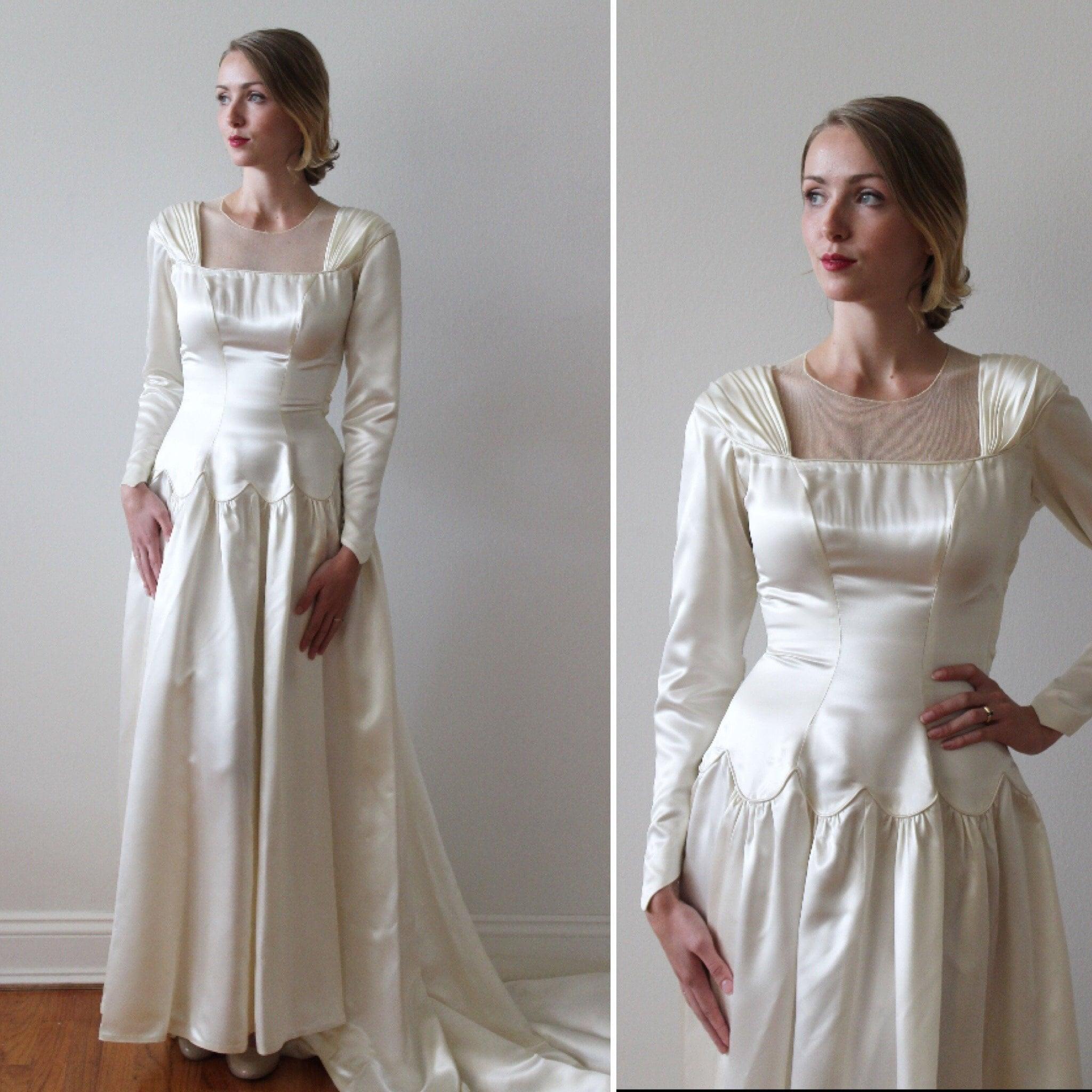 Vintage Wedding Dresses Canada: Vintage 1940s Satin Long Sleeved Wedding Dress With