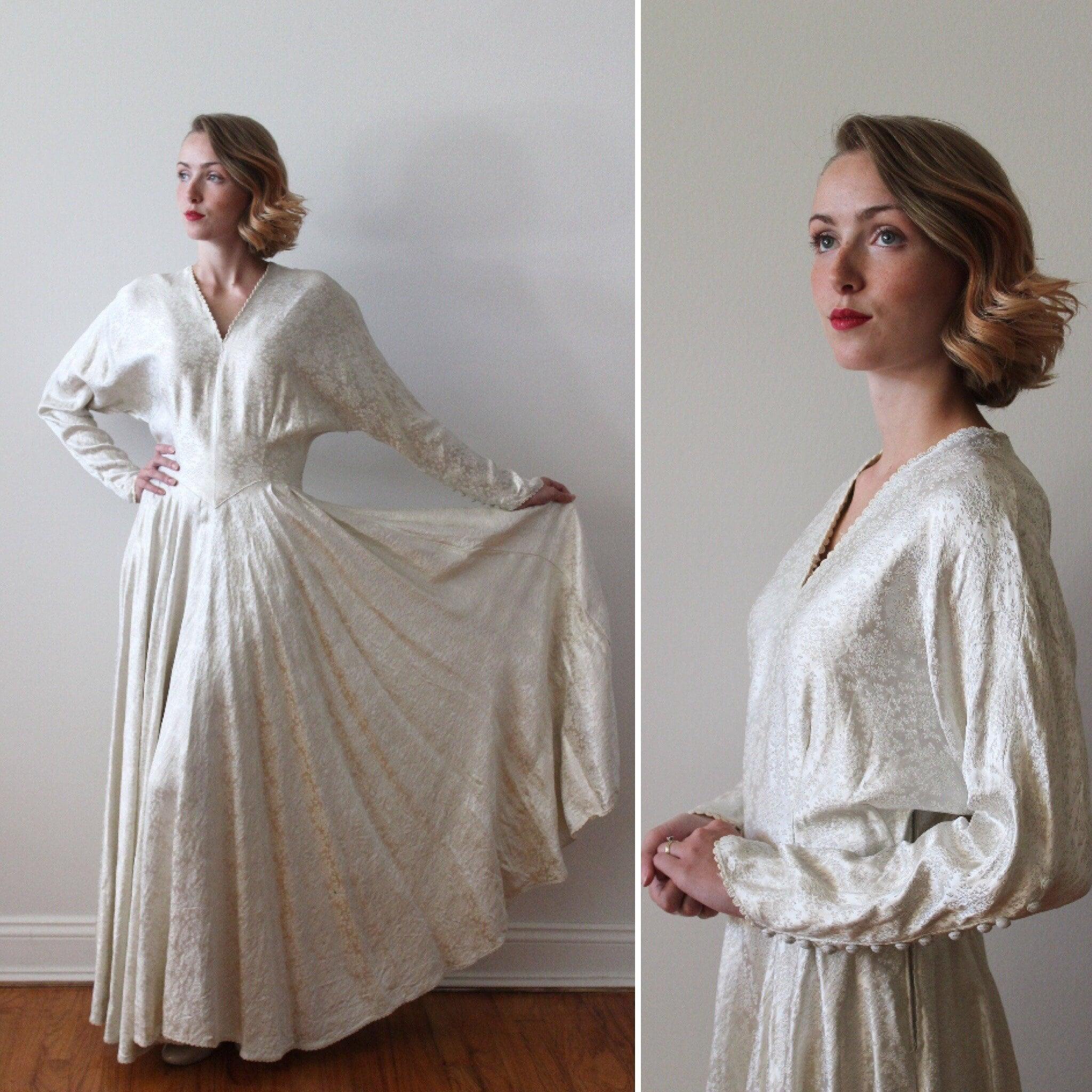 Vintage Wedding Dresses Canada: Vintage 1940s Long Sleeved Irish Brocade Wedding Dress