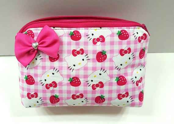130031046e18 Hello Kitty cosmetic makeup bag. Bow. Travel. Pink. Heart.