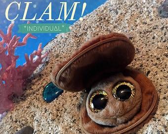 Individual surprise clam