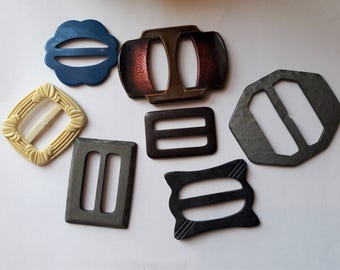 Plastic & Bakelite Vintage Belt Buckles From 30s to 60s Collection of 7