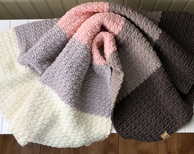 "Little Ombré Blanket// 31""x28""// Pure Naturally Soft Merino// Pure Wool Blanket// Wool Baby Blanket// Baby Stroller Blanket// Dusk Pink"