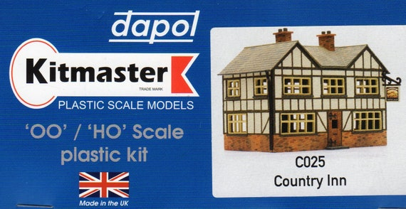 C025 Dapol OO//HO Gauge Country Inn Plastic Kit