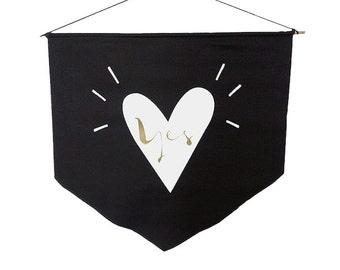 Ja - Flagge schwarz Banner Flagge Wand Gold weiß Vinyl Print inspirierendes Dekor motivierend Design minimalistisches design