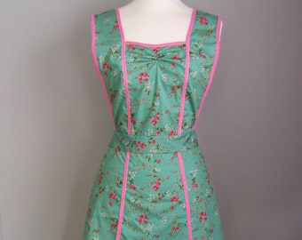 Green Apron - Pink and Green Apron - 1940s Style Apron - Retro Apron - Apron for Women - Floral Apron - Vintage Style Apron - Pinafore Apron