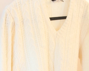 Vintage Cream Cable Knit Sweater c2188fc81